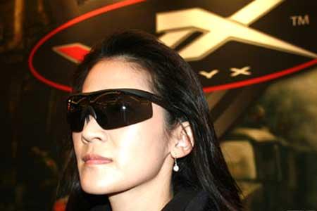 Wiley-X-sunglasses-woman-optical-tradeshow