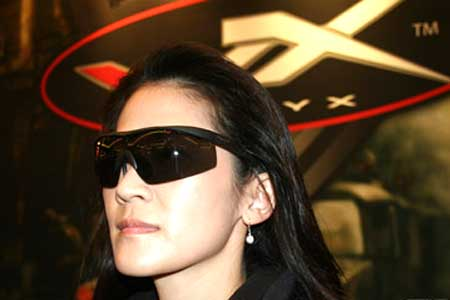 Wiley-X-sunglasses-woman-optical-tradeshow